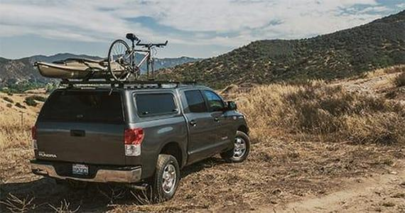 Hyandai Tucson with roof bars